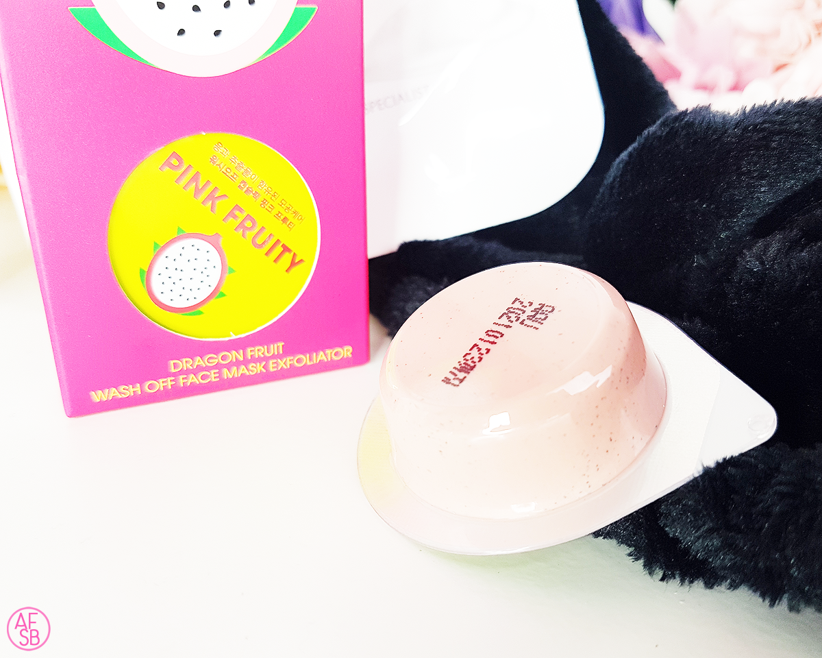 Half Moon Eyes - Pink Fruity #beautybox #kbeauty